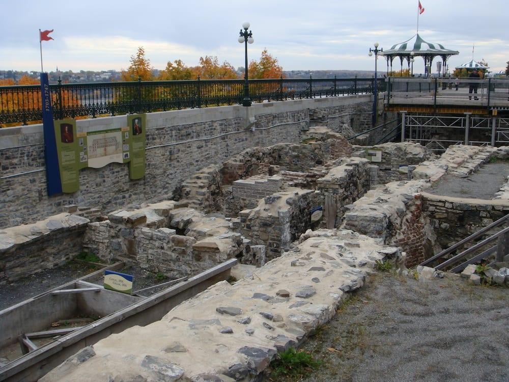 Saint Louis Forts